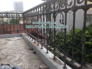 Ban công sắt mỹ thuật chị Trang ngõ 79 An Dương Vương